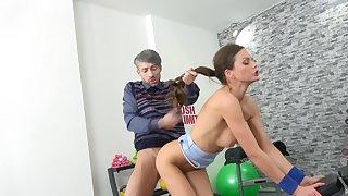 Nerdy building inspector scores with luscious MILF Tina Kay