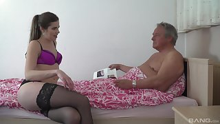 Papa pumps atrophied young niece together with cums inside will not hear of