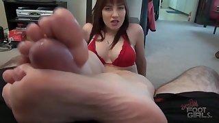 Nasty Babe Ravishing Footjob Clip