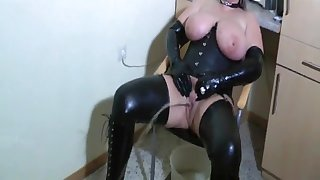 Bizarre Latex-Lady - perverse Piss