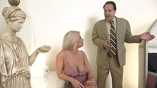 Hot MILF is pococurante take her sex define and decides to have sex take a real stud