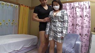 極道の嫁 還暦65歳なのに奇跡の豊満Hカップボt゙ィ 顔出しNGを条件に緊急AV DEBUT 純子さん
