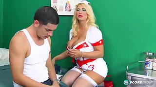 Nurse Kelly On-Call - ScoreLand